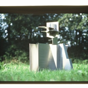 Würfelhocker III 197--76 H.118cm Edelstahl Kopie